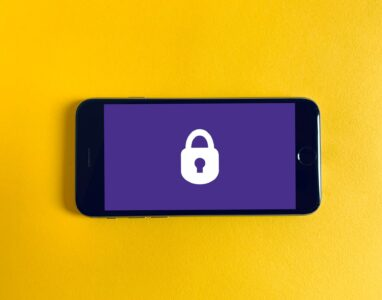 Hiding Sensitive Data In The Background with Xamarin